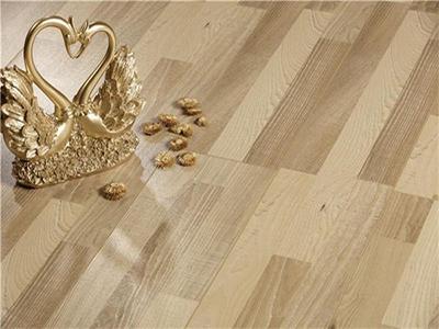 强化地板和多层实木地板有什么区别